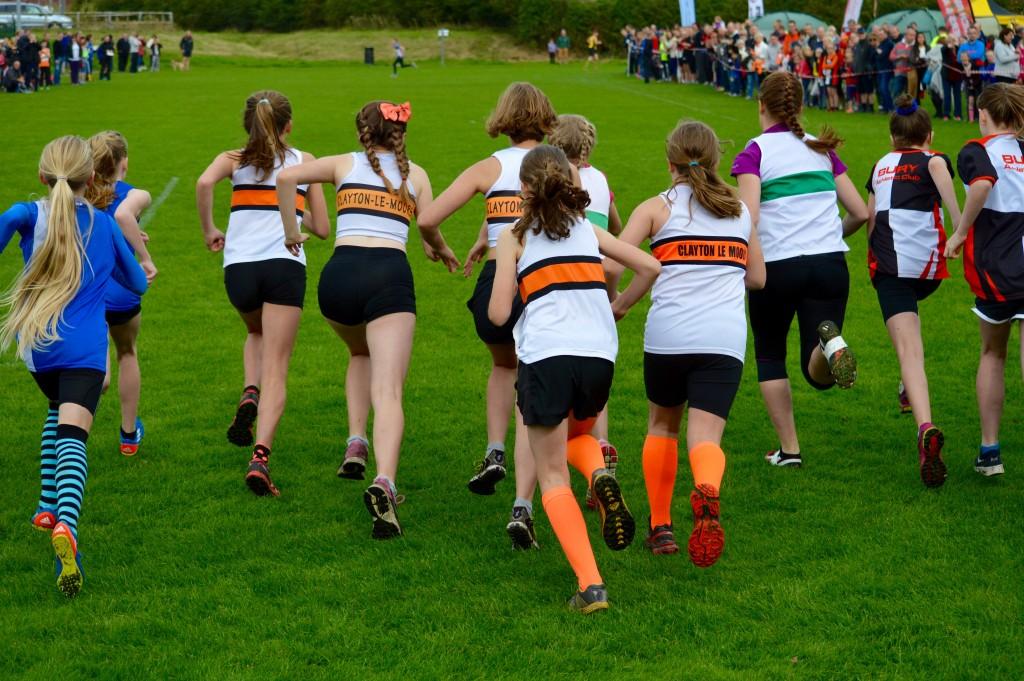 The U13 girls are off! Photo by Nicholas Olszewski