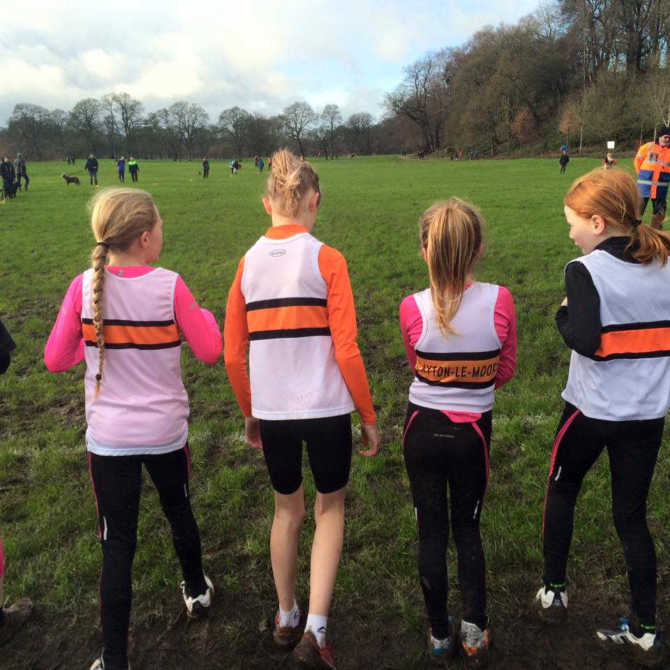 U11 Girls ready for the off. Photo by Alan Dorrington