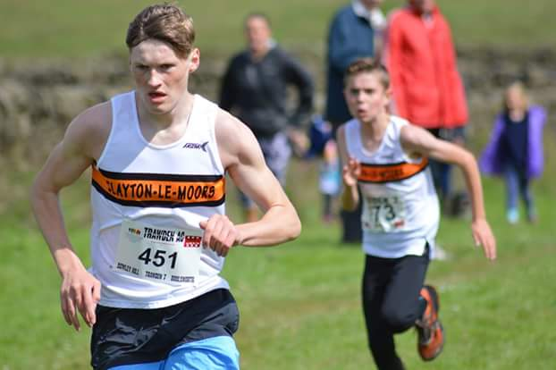 Robbie Smedley chasing Reece Lawrence in the Trawden Junior races. Photo by Nick Olszewski