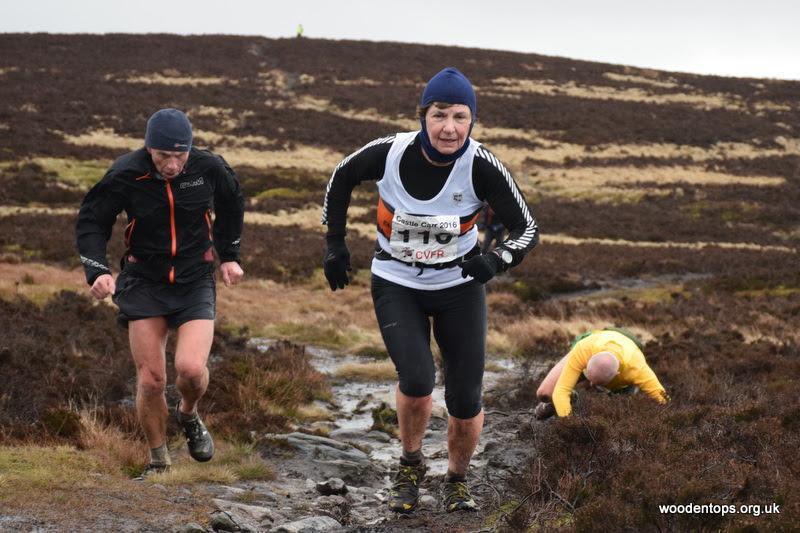 Katy Thompson at the Midgley Moor Fell Race. Photo by Woodentops