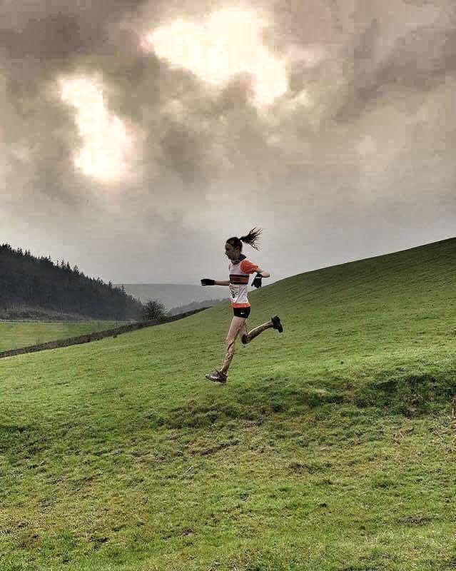 Ella Dorrington descends to the finish. Photo: Deborah Stevenson