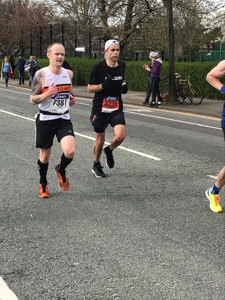 Jon Cleaver cruising to his sub 3hr marathon. Photo: Lynsey Birtwhistle