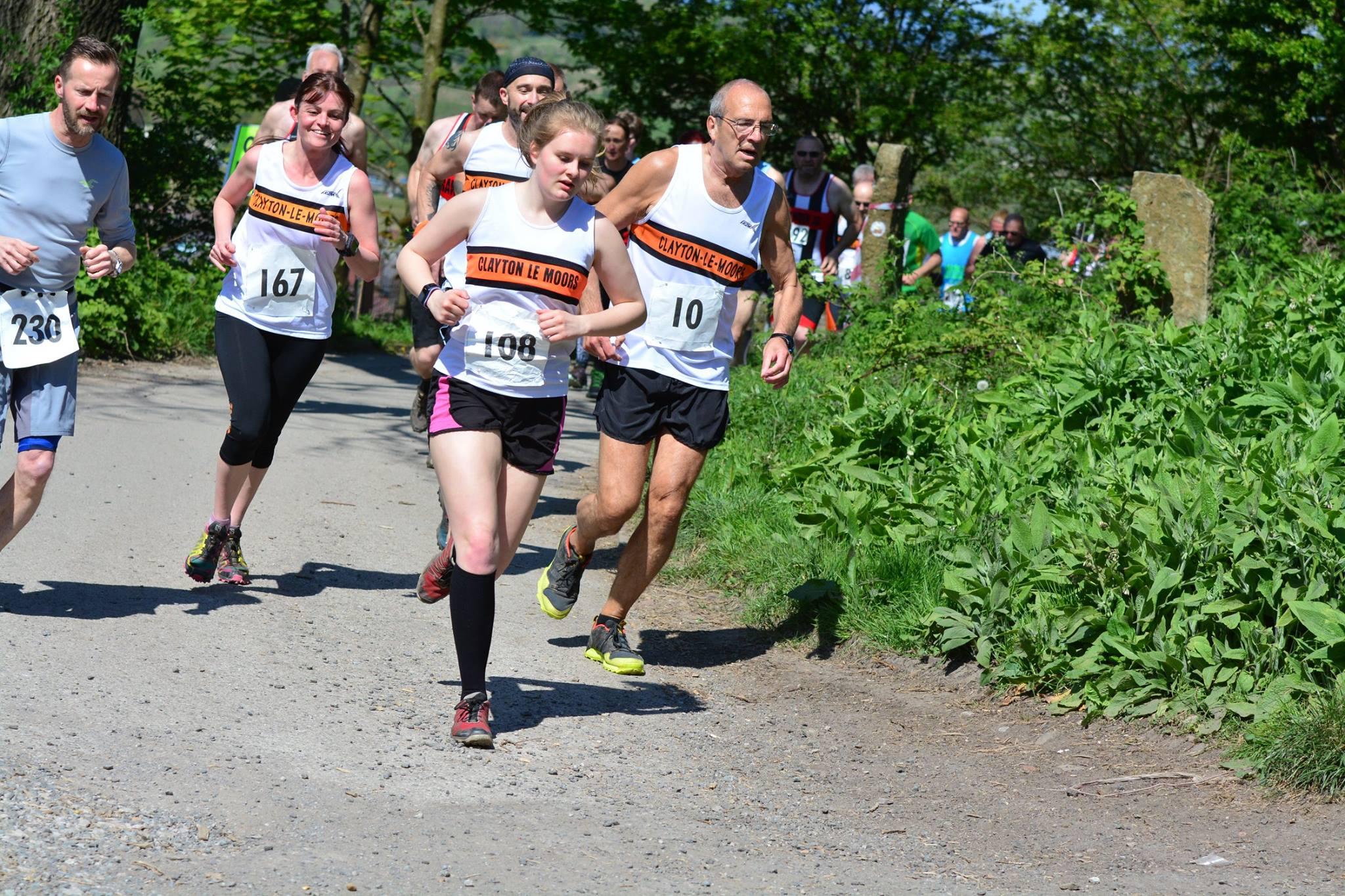 Runners heading up the first climb. Photo by Adrienne Olszewska