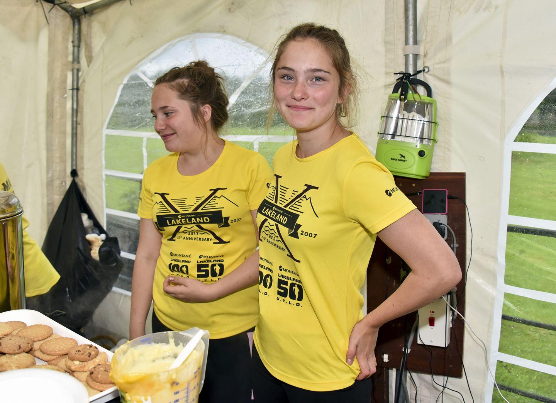 Bronia and Natasha - experienced ultra helpers. Photo: SportSunday